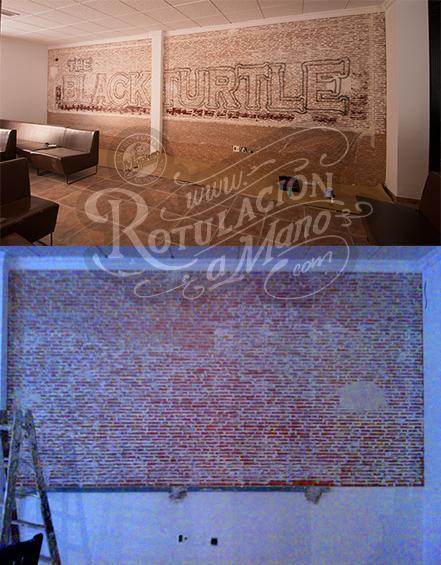 Proceso: preparación de la pared imitando ladrillo y lineas del primer pintado.