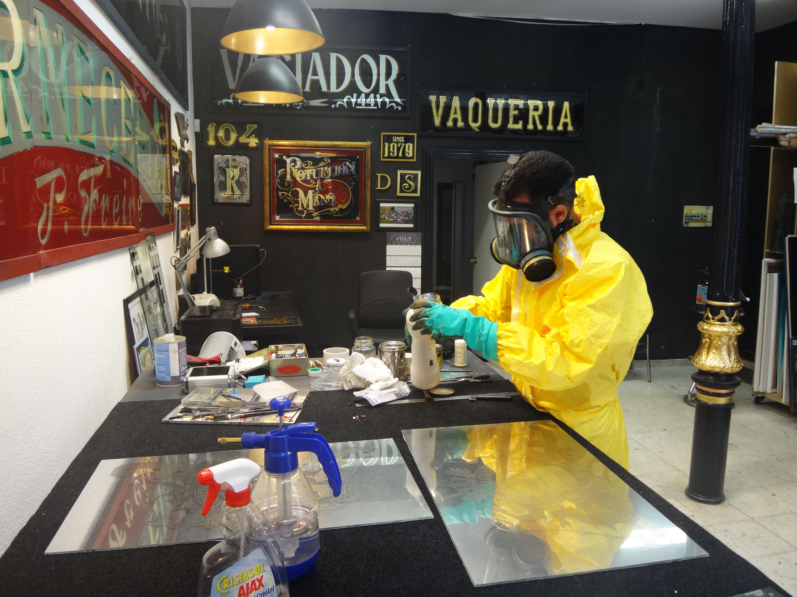 Trabajando con seguridad en la parte quimica